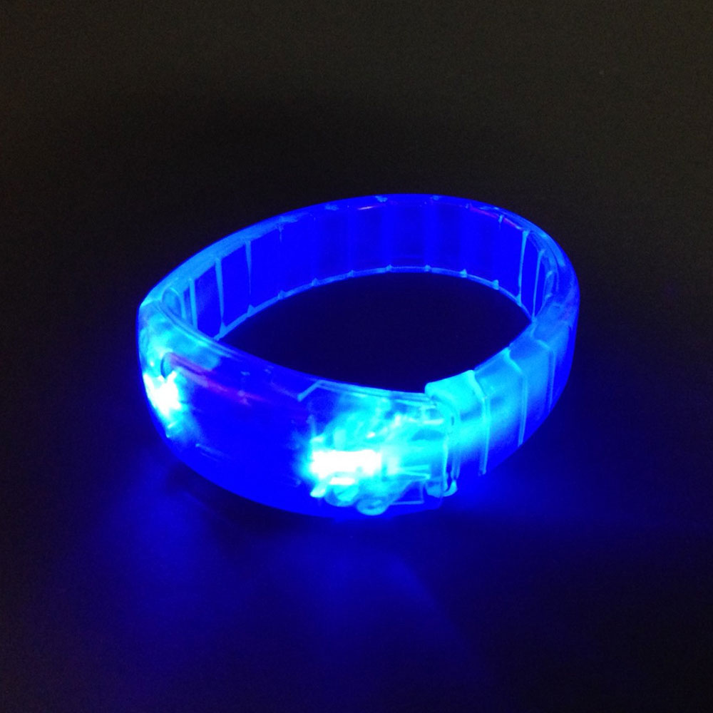 bracelet lumineux del bleu 3 batteries ag3 inc rempl lumi re magique. Black Bedroom Furniture Sets. Home Design Ideas