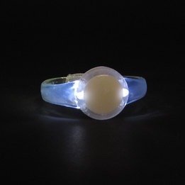 White light up LED round  bracelet - 3 AG13 batt. inc. & repl.